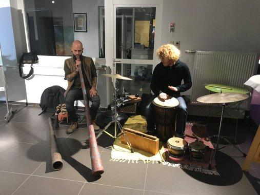 Didgeridoo und Trommelklänge rundeten den Abend ab